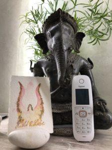 Telefon und Ganesha 1